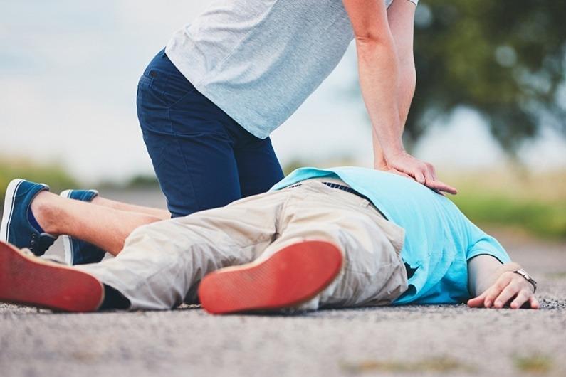 'सीपीआर' अर्थात् बेहोश भई मृत्युको नजिक पुगेका व्यक्तिलाई बचाउने तरिका
