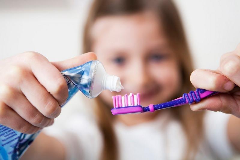 बालबालिकालाई टुथपेस्ट कति दिने?