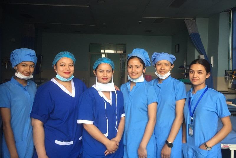 विदेशमा सम्मानित, नेपालमा अपहेलित नर्स