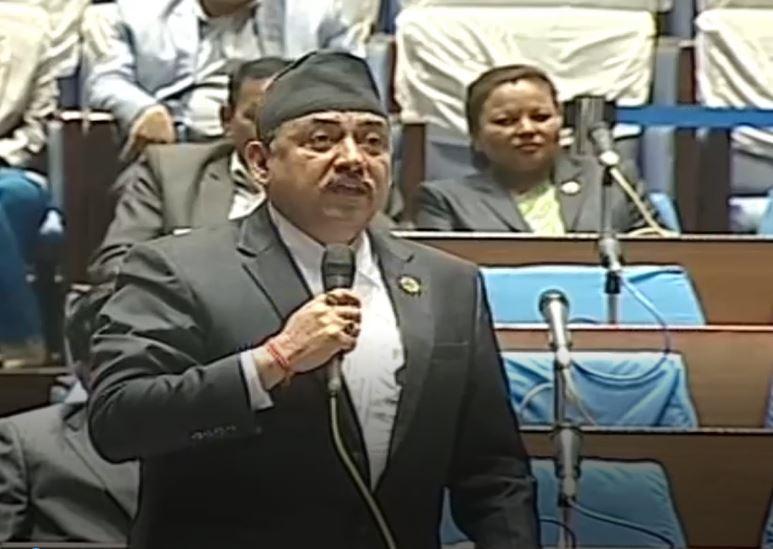 संसदमा किन मागियाे स्वास्थ्यमन्त्री यादवकाे राजीनामा?