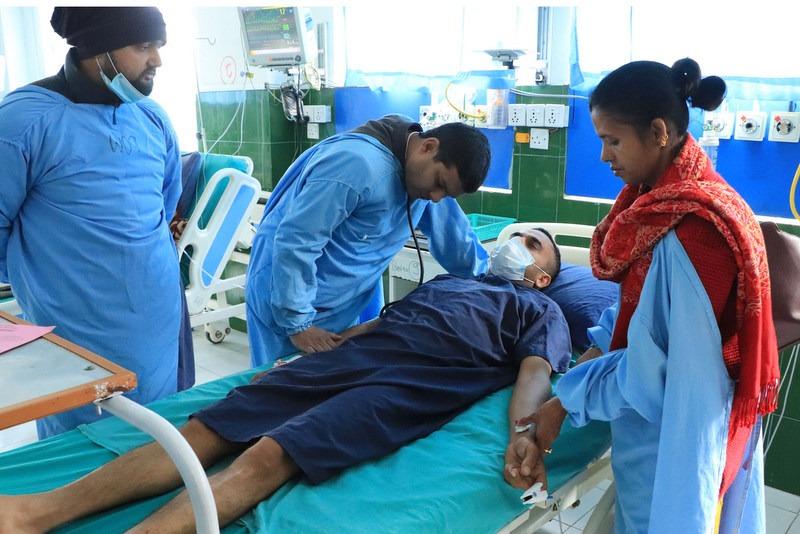 आमरण अनशन बसेका वडाध्यक्ष अस्पताल भर्ना