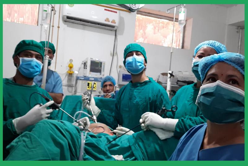 डडेल्धुरा अस्पतालमा पहिलो पटक ल्याप्रोस्कोपिक बिधिबाट पाठेघरको शल्यक्रिया