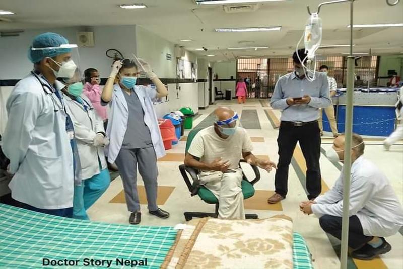 डा केसीलाई ट्रमा सेन्टरबाट त्रिवि शिक्षण अस्पताल लगियो
